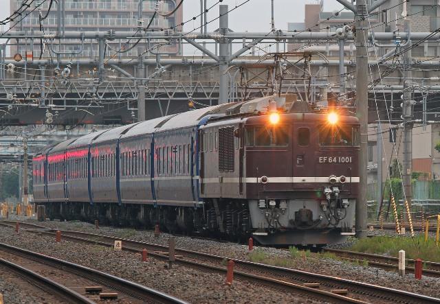 EF64-1001 トンネル前 1