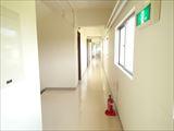 階段室より廊下_R