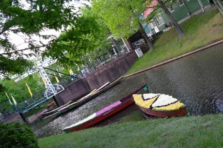 floating_tulipa_7.jpg