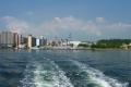 船から見る横須賀市街地