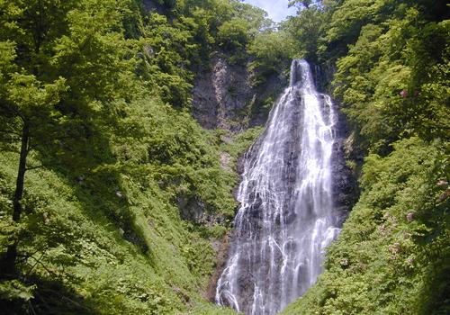 04くろくまの滝(観光サイト用)