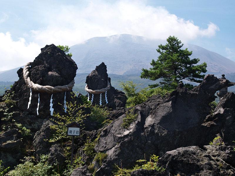 浅間山・鬼押し出し(2004年12月)Wadaフォトギャラリーより引用)
