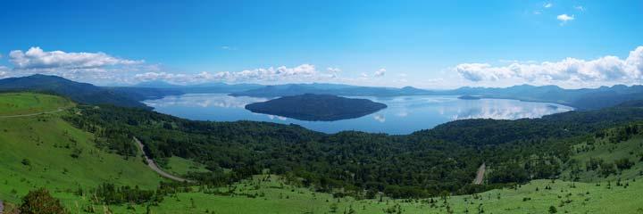 美幌峠の展望台から見た屈斜路湖のパノラマ