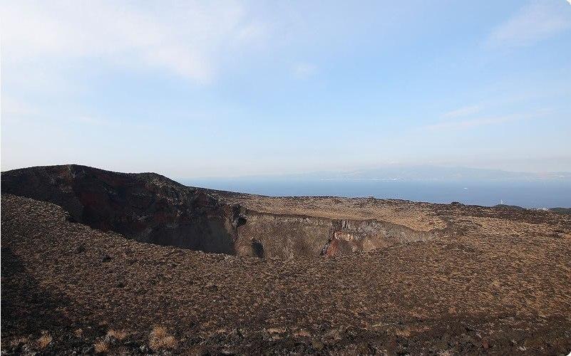 伊豆大島・三原山噴火口