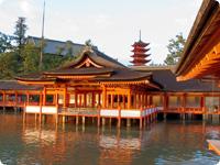 宮島・客(まろうど)神社(国宝)