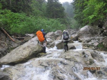 86-3 岩井谷 ナメを登る