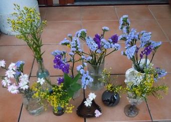 8つの花瓶