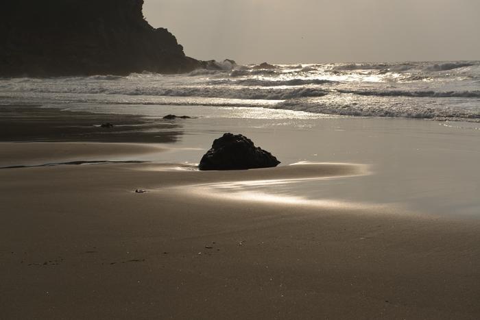 浜と岩-1
