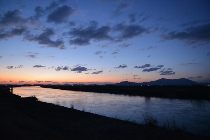 河の夕焼け-1