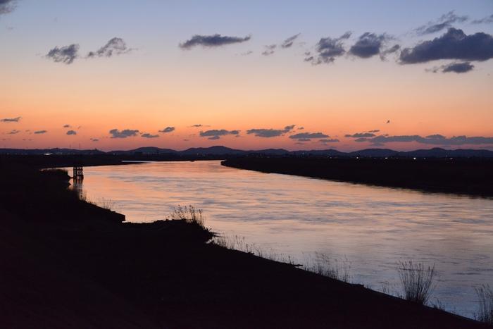 河の夕焼け-3