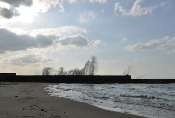 防波堤の波-4