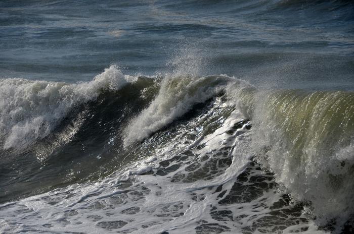 日本海波高し-2