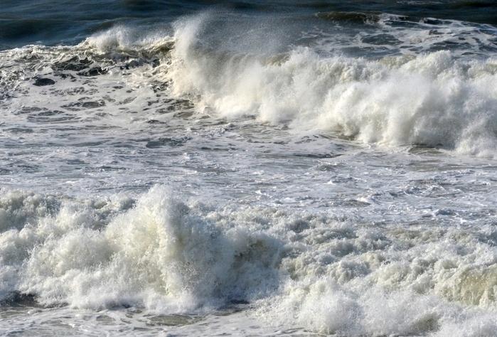 日本海波高し-4