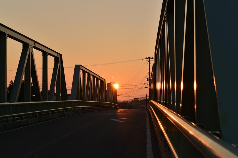 今日の夕陽 鉄橋-1
