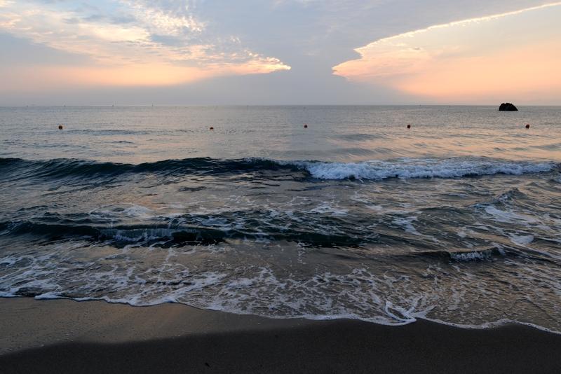 今日の夕暮れ 晩夏の海-2