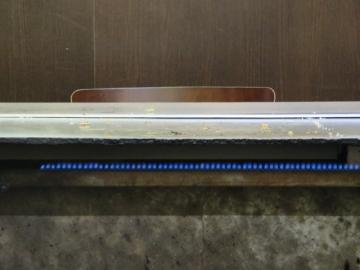 正面の席の方の食後。厚み31mmの鉄板