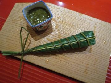 河豚寿司とモズク