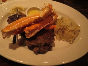 ・Prime New York Steak and Crab Dinner
