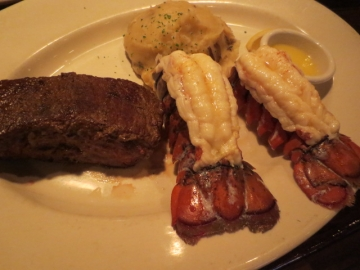 ・Sirloin and Lobster Tail Combo