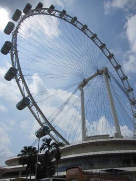 ・165mの世界で一番大きな大観覧車、シンガポールフライヤー