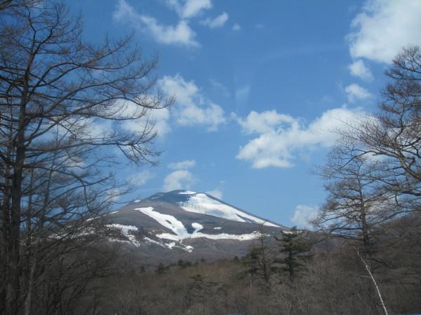 残雪の浅間山