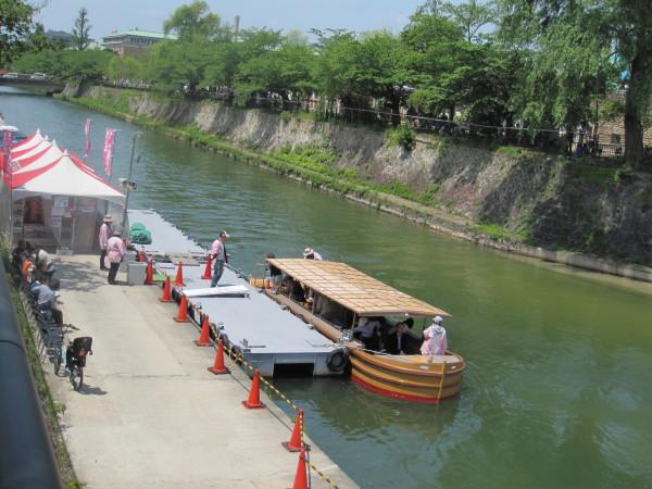 疎水巡りの十石舟