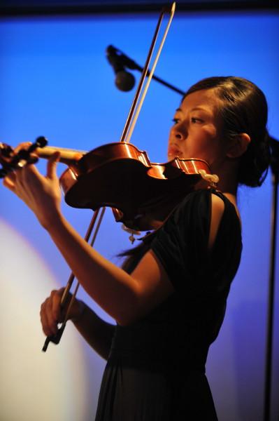 ヴァイオリンの佐藤美園さん