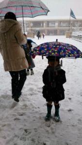 雪の幼稚園