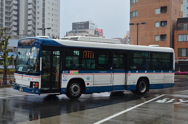 KL-HU2PMEE 京成バス 8137