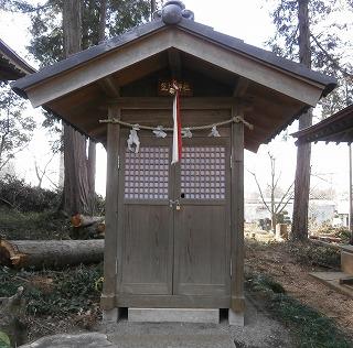 八幡神社境内2