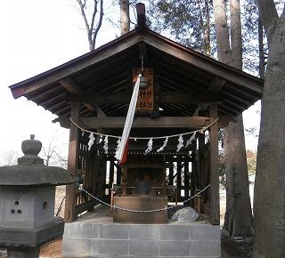 八幡神社境内3