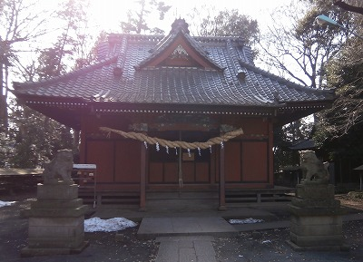 中氷川拝殿