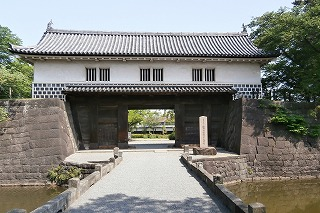 新発田城門