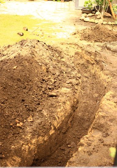 140606排水穴掘り2