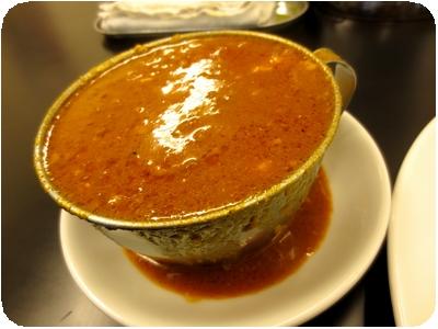 赤い鶏カレー(大盛り)