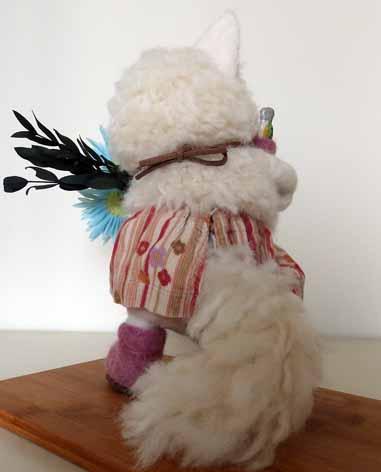 白ネコ羊毛20140520-2