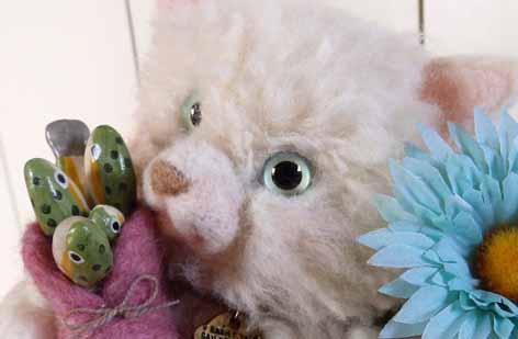 白ネコ羊毛20140520-4
