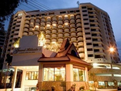 grand-hillside-serviced-apartment-chiang-mai-001.jpg