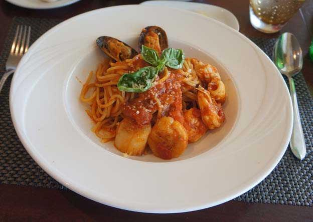 20140422 Meridien seafood pasta 22cm DSC07582