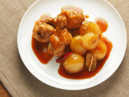 小玉ねぎと手羽元の煮物28