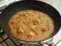 小玉ねぎと手羽元の煮物45