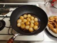 小玉ねぎと手羽元の煮物53