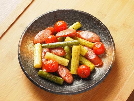 ジャンボにんにくの茎炒め03