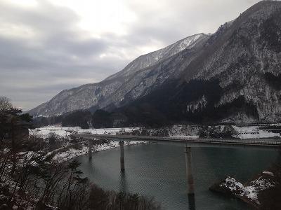 雪景色と吊り橋