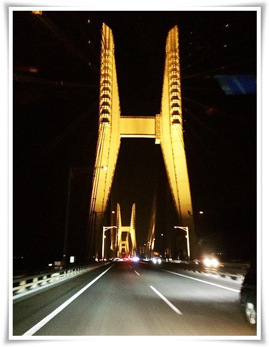 ライトアップ瀬戸大橋