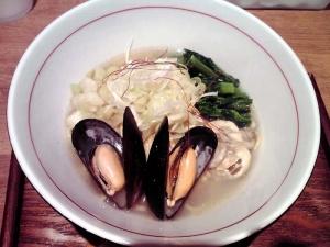 麺と心 7 牡蠣とムール貝のスープ和えそば
