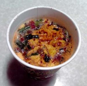 とんがらし麺 うま辛トマト味(できあがり)