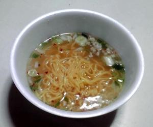茹でたて名人 コクしおらぁ麺(できあがり)