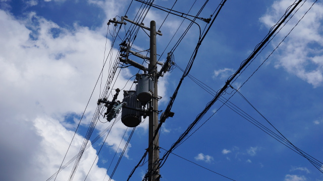 電柱電線4枚目 640x360サンプル