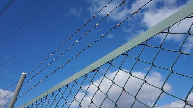 フェンス・柵1枚目 640x360サンプル